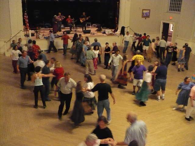 Peterborough_contra_dance_November_2007_91022